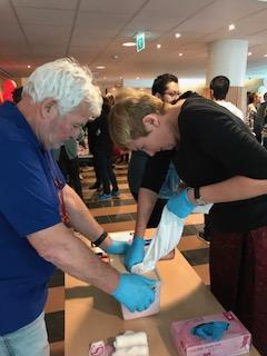 Instructeurs bedankt - terugblik Internationale Stop de bloeding dag