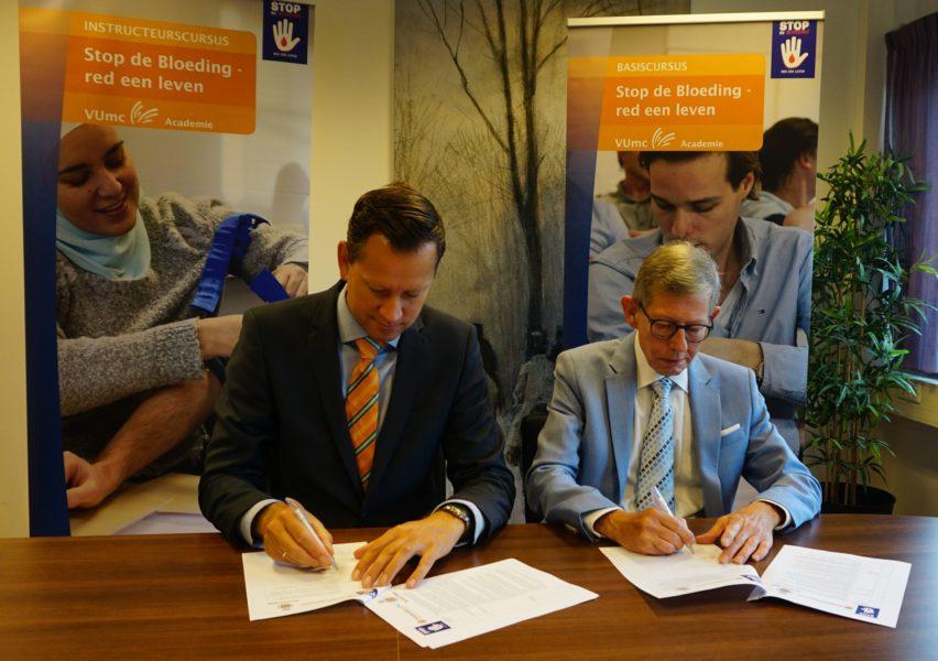 VUmc en Het Oranje kruis tekenen samenwerking in Stop de bloeding - red een leven 2